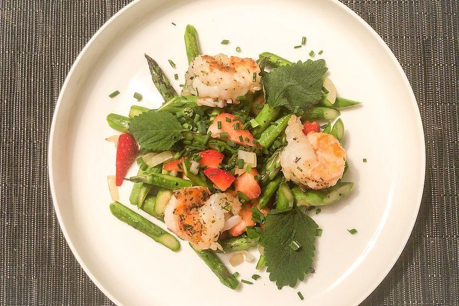 Spargel-Erdbeer-Salat - Rezeptbild | Gourmetköchin Petra Braun-Lichter