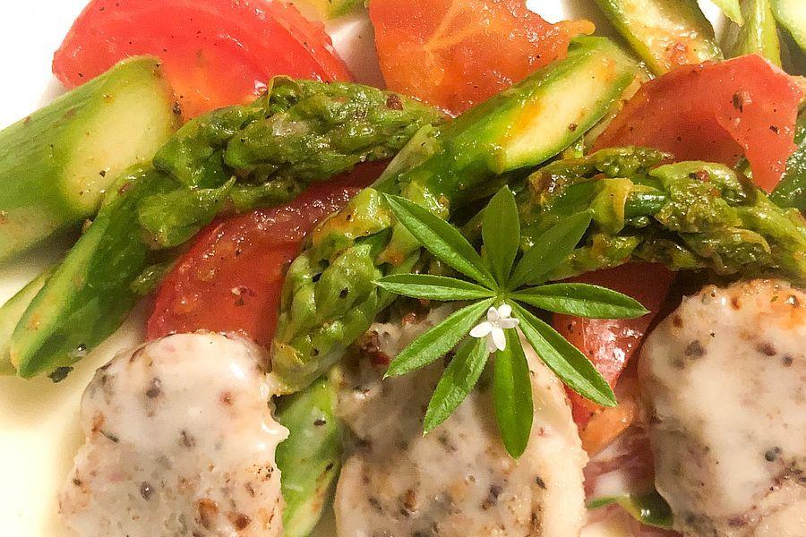 Grüner Spargel-Tomaten Salat - Rezeptbild | Gourmetköchin Petra Braun-Lichter