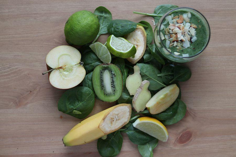 Grüner Smoothie aus Grünkohl | Spinat - Rezeptbild | Gourmetköchin Petra Braun-Lichter